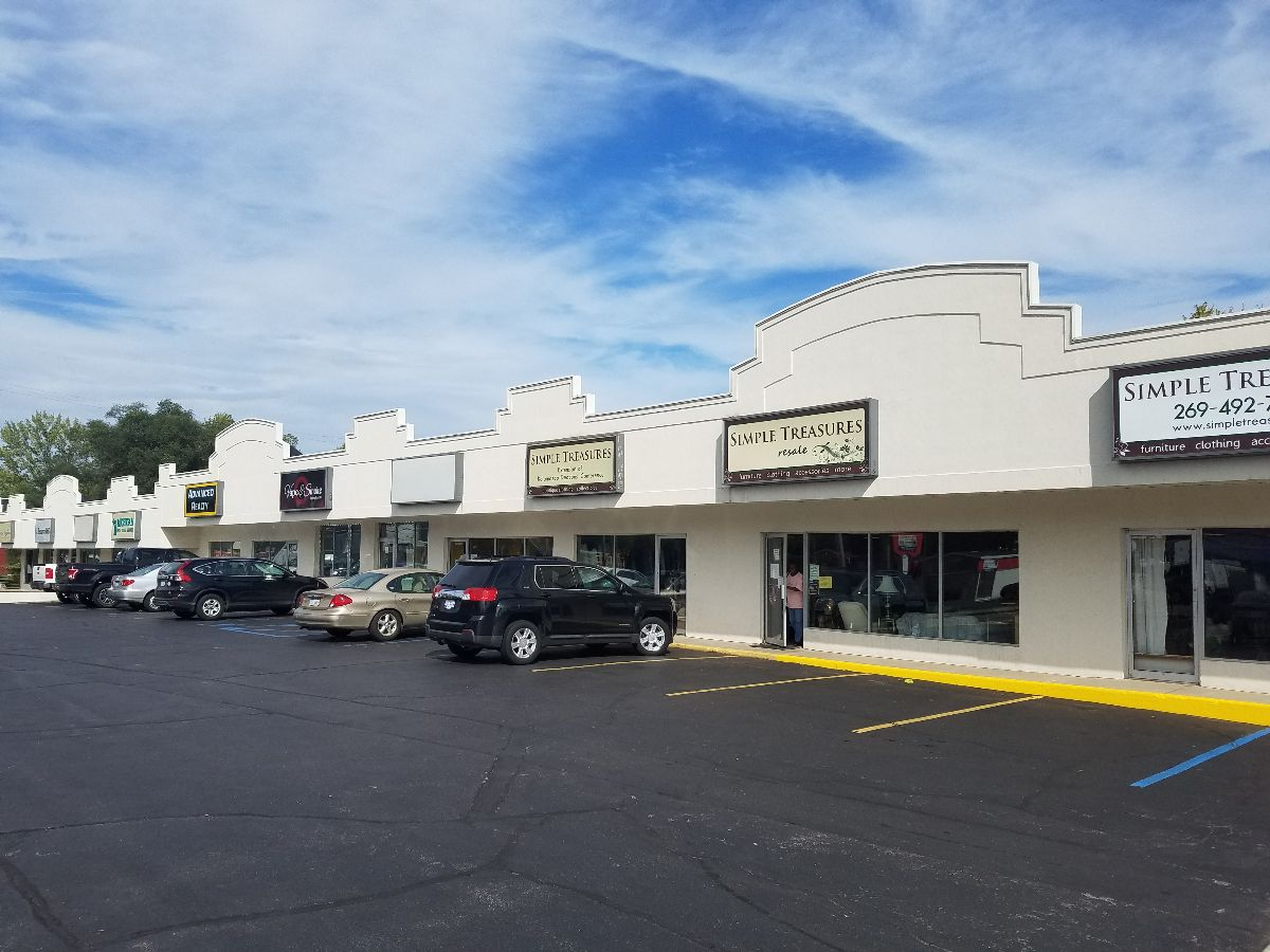 Great Strip Center on busy S. Westnedge - Retail - For Lease