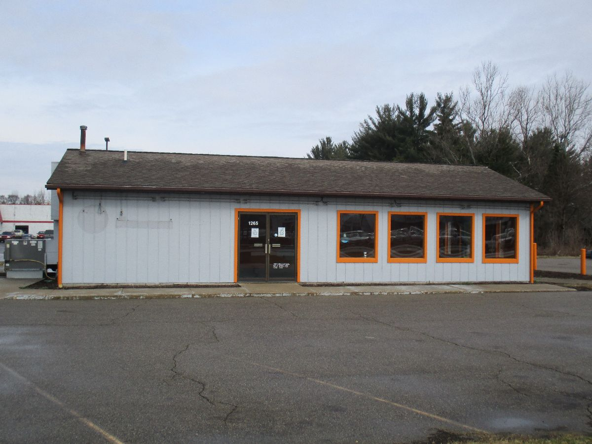 M-89 Retail Location - Retail - For Lease