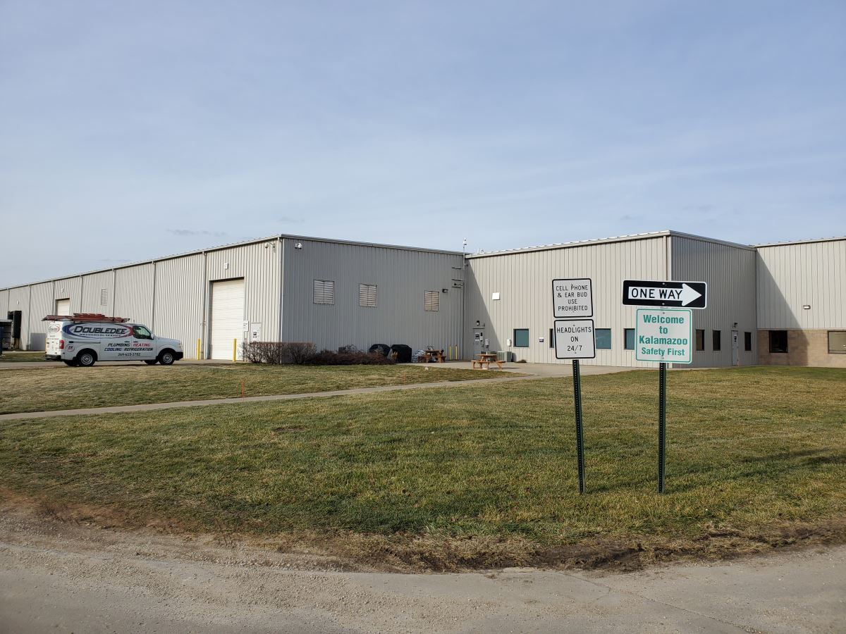 Warehouse / Distribution Center - Industrial - For Lease