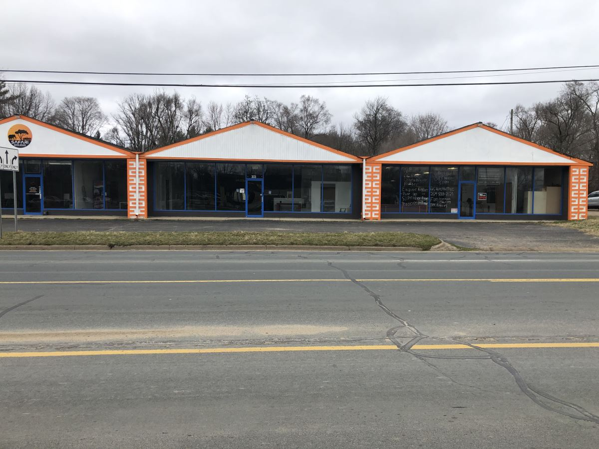 Highly Visible Retail Property - Retail - For Lease