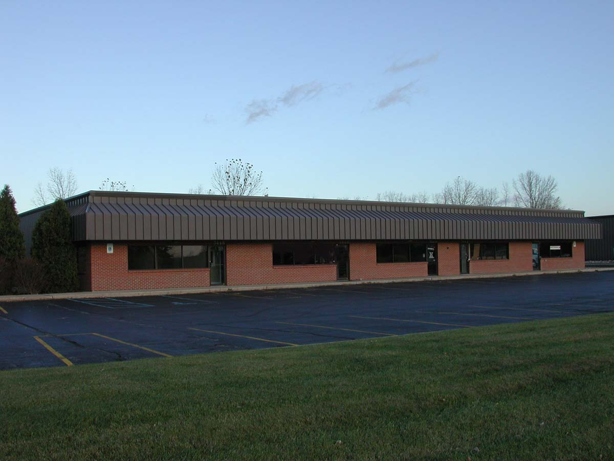 Portage Office / Industrial Suite - Office - For Lease