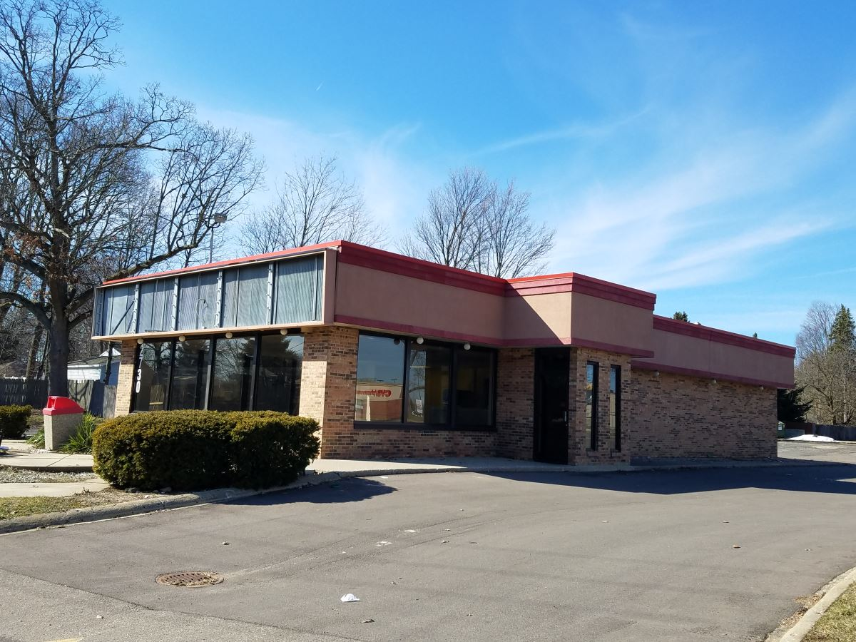 Stand Alone Restaurant Near Campus - Retail - For Lease
